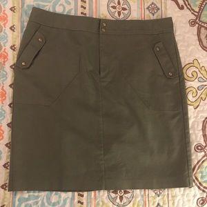 Short Worthington Skirt